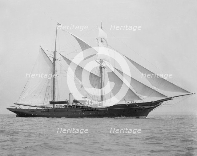 The 1894 built schooner 'Xarifa' under sail, 1899. Creator: Kirk & Sons of Cowes.