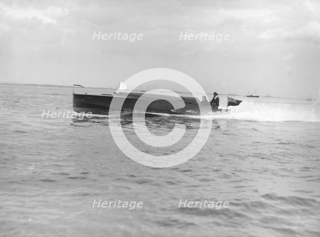 The hydroplane 'Izme' under way, 1913. Creator: Kirk & Sons of Cowes.