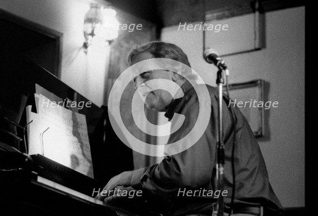 Brian Dee, Watermill Jazz Club, Dorking, Surrey, June 2000. Artist: Brian O'Connor.
