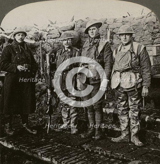 Lewis machine gunners, Hollebeke, Belgium, World War I, 1914-1918.Artist: Realistic Travels Publishers