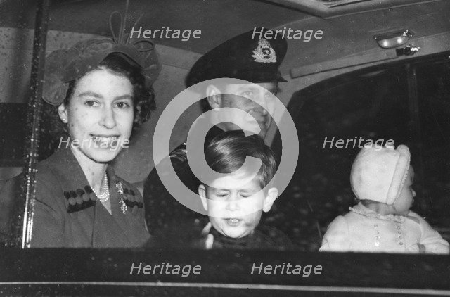 The Royal couple leaving Buckingham Palace for Clarence House, November 1951. Artist: Unknown