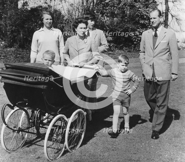 39th birthday picture of the Queen and her family, Frogmore House, Windsor, 1965. Artist: Unknown