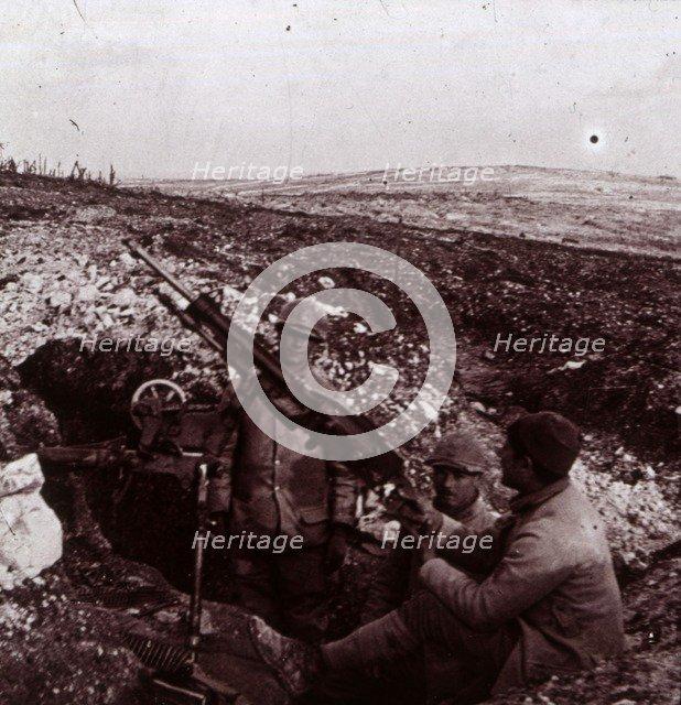 Machine guns, Mount Kemmel, Flanders, Belgium, c1914-c1918. Artist: Unknown.
