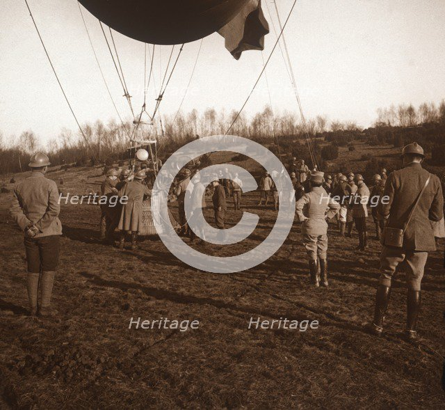 Basket of barrage balloon, c1914-c1918. Artist: Unknown.